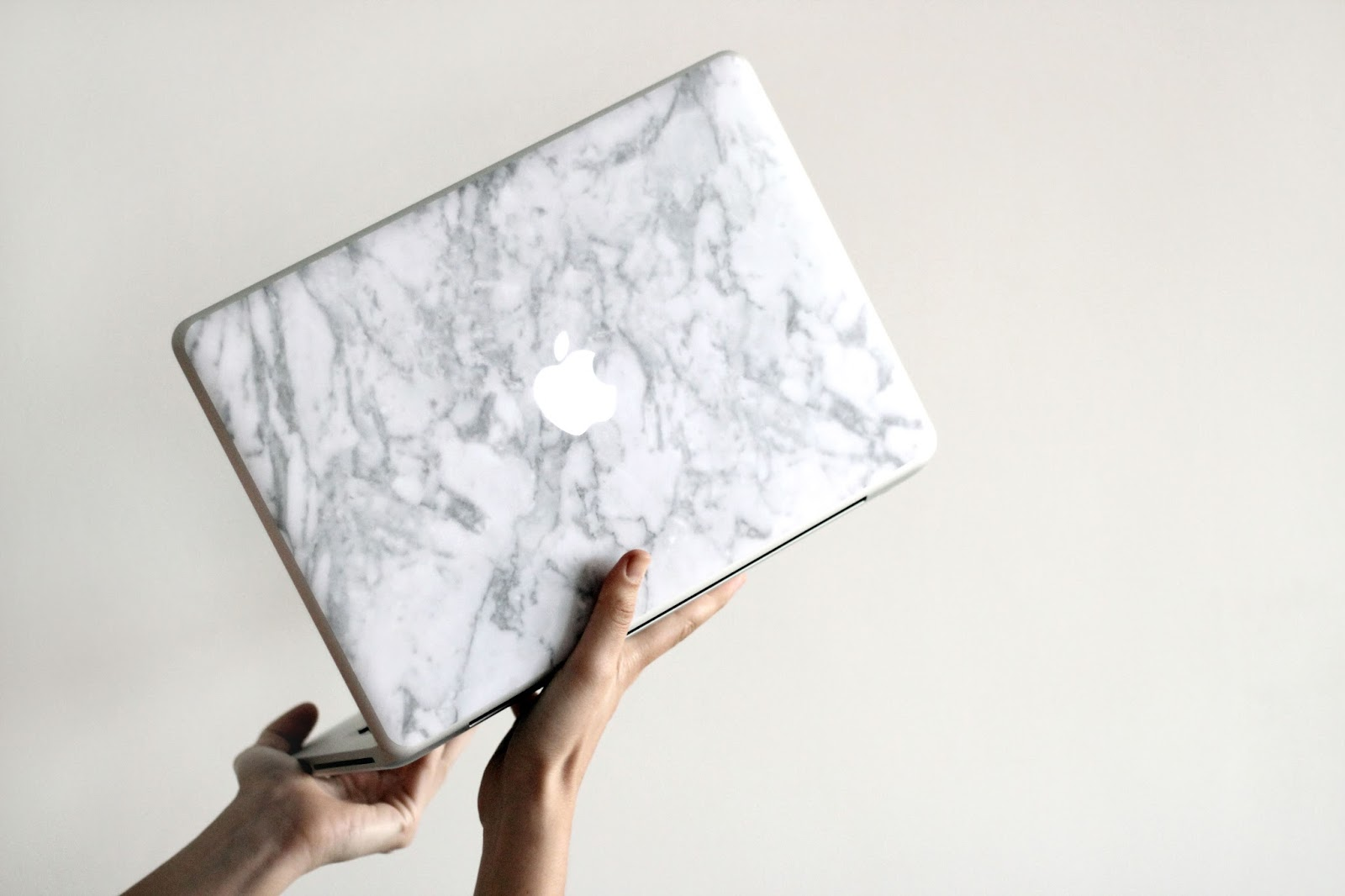 caseapp review ipad case macbook skin marble fashion blog blogger www.quitealooker.com