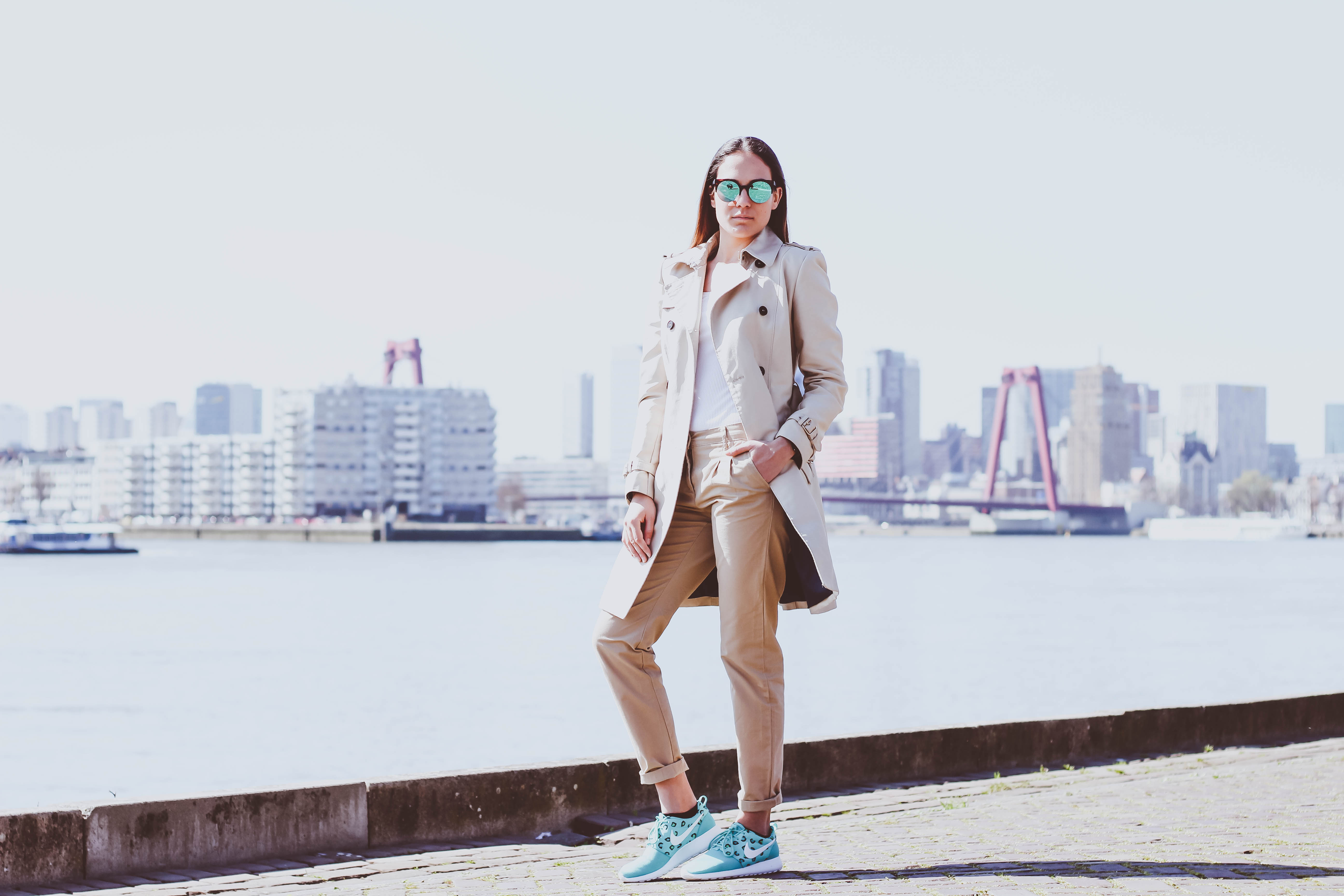 outfit rotterdam quite a looker zara trench nike roche one leopard blue turquoise woodwatch wooden watch rosemunde copenhagen top bulgarian fashion blog www.quitealooker.com maas river holland