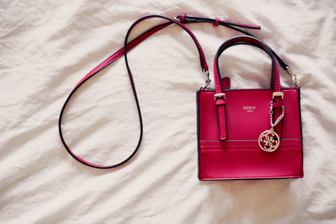 New in my wardrobe Guess burgundy mini shoulder bag by Bulgarian fashion blogger www.quitealooker.com
