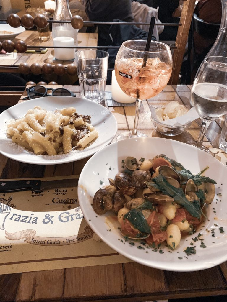 where to eat in rome on a budget bulgarian travel blogger travel guide grazia & graziella