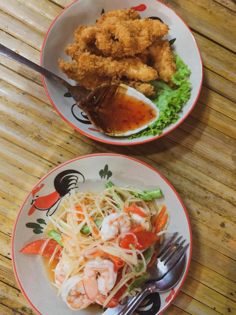 Почивка на остров Ко Ланта, Краби, Тайланд - тайландска храна в Ко Ланта, пад тай нудъли, ресторанти в Краби, пътуване през януари до Тайланд