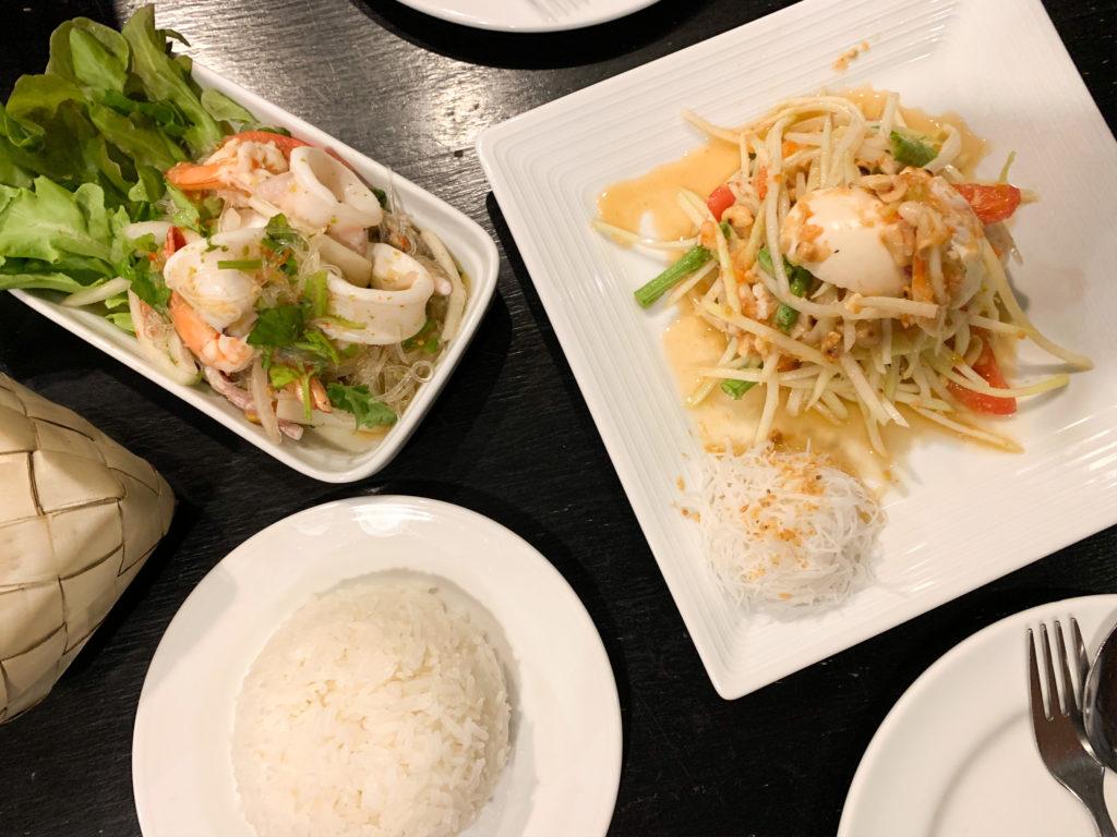 Къде и какво да хапнем в Банкок - Тайландска храна в Банкок - Пад тай нудъли в Банкок - Забележителности в Банкок, пътеводител Банкок, пътуване до Банкок, Тайланд, какво да правя 3 дни в Банкок, съвети от блогър Михаела от quite a looker